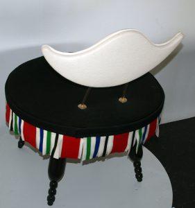 Thonet stoel won de Mart Stam prijs. NU bieden vanaf € 200,- kan alleen gehaald worden in studio HD Arnhem